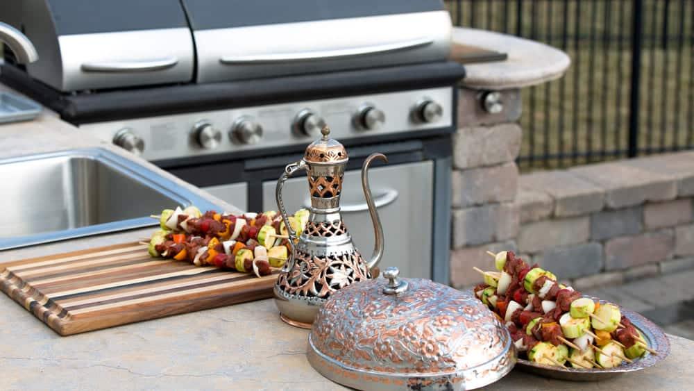 Essential Outdoor Kitchen Appliances - BBQ