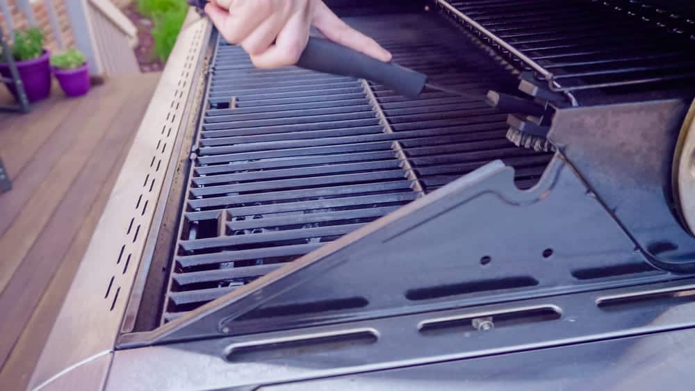 Maintaining an Outdoor Grill